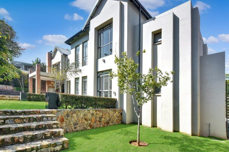 Upmarket Cluster development by Parks Properties with terraced lawn in Parktown North Johannesburg